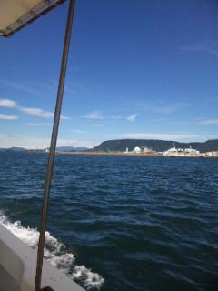 船で大島青松園へ