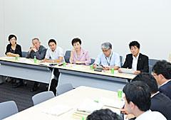 新卒者雇用に関する緊急対策について意見交換する党合同会議