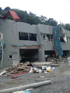 破壊された女川原発オフサイトセンター